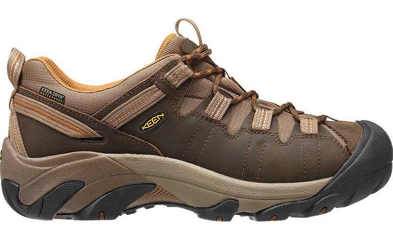 کفش مناسب پیاده روی